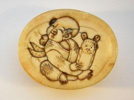 1724 Netsuke Manju 饅頭 17.Jh. mit nachträglicher Gravur