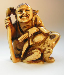 1908 Netsuke Katabori 形彫 Gama Sennin auf Kröte