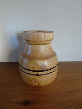 gedrechselte Vase aus Birke mit zwei Ringen