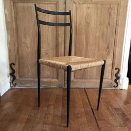 Paire de chaises paillées en métal laqué noir, 1950