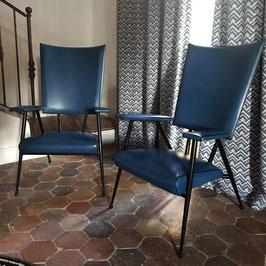 Paire de fauteuils en simili-cuir bleu, 1950