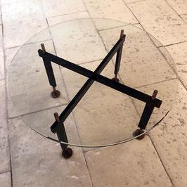 Table basse en verre, métal noir et laiton doré, 1960