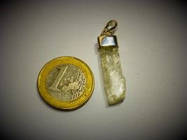 Hiddenit (Anhänger Silberkappe)