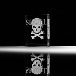 "CRY02204 Designer's Edition ""Skull"""