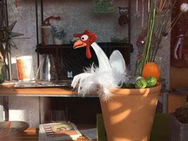 Verrücktes Huhn aus Glas zum Steckenmit einem weißen Hühnerei aus Glas