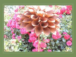 Edelrost Blume - gefüllte Dahlie V01