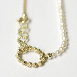 zeeuwse ketting ovaaltje goud witte parels