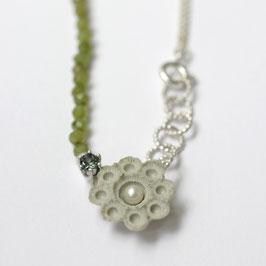 zeeuwse ketting porselein, jade, toermalijn, parel, zilver
