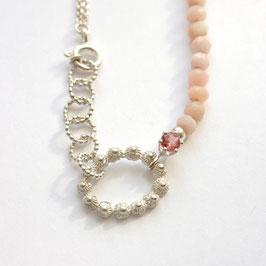 zeeuwse ketting ovaaltje met toermalijn en roze opaal