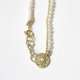 Zeeuwse gouden armband met witte pareltjes