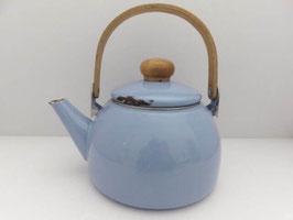 Bouilloire en métal émaillé / Enamel kettle