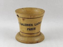 Coquetier ancien en bois Aux Galeries Lafayette Paris / Old French wooden egg cup Aux Galeries Lafayette Paris