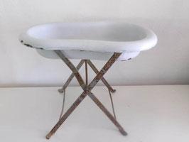 Bidet ancien en métal émaillé sur pieds / Vintage enamel french bidet with stand