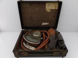 Ancien oscillomètre médical G. Boulitte / Old G. Boulitte medical oscillometer