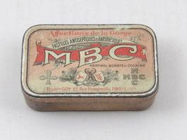Boite de pharmacie MBC / MBC pharmacy tin
