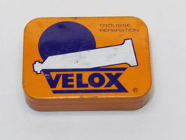 Ancienne boite de rustines pour velo Velox / Old Velox bicycle patch tin