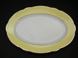 Grand plat de service oval  Lunéville, modèle Jonquille / Lunéville large oval-shaped serving plate model Jonquille