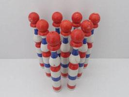 Ancien jeu de quilles en bois / Old wooden skittle game