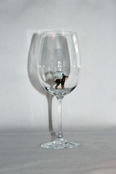 Weinglas mit Gams