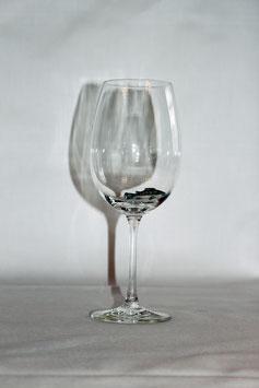 Weinglas mit Forelle