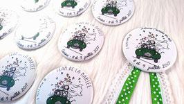 """Kit EVJF """"Deuche"""" : 1 cocarde + 7 badges (diamètre 56 mm)"""