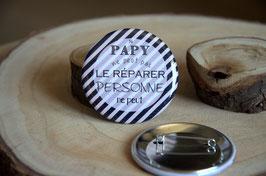 """""""Les petits prix"""" : Badge 56 mm (LOT n°22)"""
