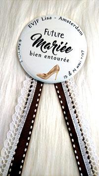 """Kit EVJF """"Talon aiguille"""" : 1 cocarde + 7 badges (diamètre 56 mm)"""