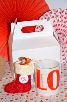BOX de Noël : MUG + 1 article personnalisé + 1 chaussette + boite cadeau