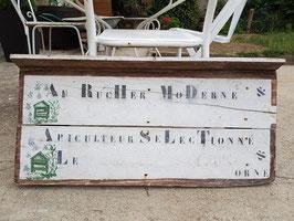 Ancien panneau en bois d'apiculteur