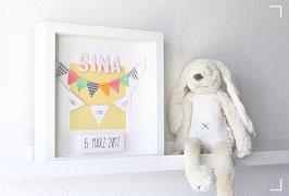 Personalisiertes Geburtsbild für Mädchen oder Jungen mit herziger Wimpelkette aus Stoff