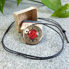 Abschlussring Halskette mit roter Leiterplatte