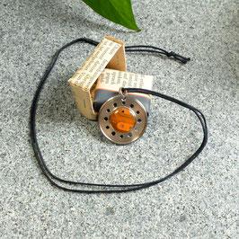 Abschlussring Halskette mit oranger Leiterplatte