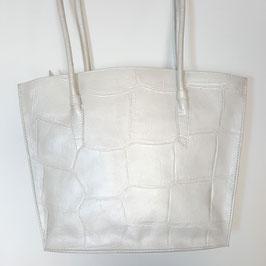 Designer Handtasche, klassische Form von déqua, geprägtes Leder in Krokodesign, irisierendes Perlmutt