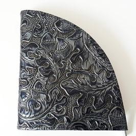 Geldbörse, extravagantes Design, Eichenlaub, geprägtes Leder, von déqua, schwarz -silbrig