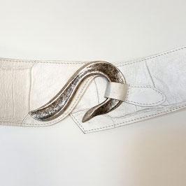 Gürtel mit Schlank-Effekt, Wellen-Schließe, geprägtes Leder, Kroko, irisierend perlmuttfarben von déqua