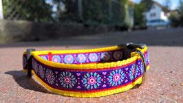 """Halsband mit Borde """"Blumen violette"""""""