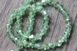 Grün //Perlenstränge Glasfacett