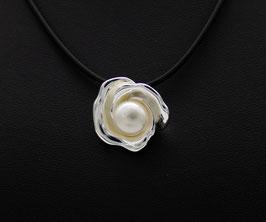 D655 Silber Anhänger Blume mit Süßwasserperle