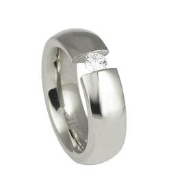 T07-08 Edelstahl Ring mit Zirkonia