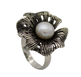 R931 Silberring oxidiert mit Blume