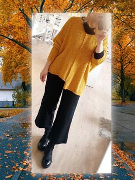 Oversize Pullover aus Boucléwolle SENFGELB