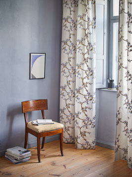 Vorhang Flowering by Hodsoll McKenzie