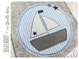 Stickdatei 10x10 Segelboot im Doodle Kreis mit Sternchen