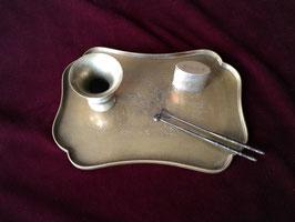 Petit plateau à opium en laiton