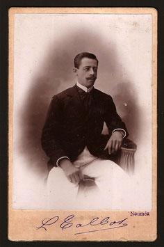 Louis Talbot, Nouméa (actif 1905-1910) : Portrait d'homme anonyme.