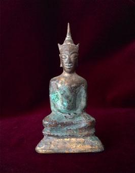 Bronze de fouille : statuette de Bouddha d'époque Ayutthaya (XVe)