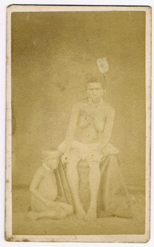 CDV : Dufty & Cie, Nouméa : Femme kanak avec un enfant (c. 1880)