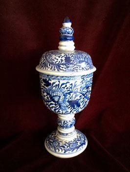 Grand pot en porcelaine blanc-bleu de l'épave chinoise de Vung Tau (époque Kangxi)