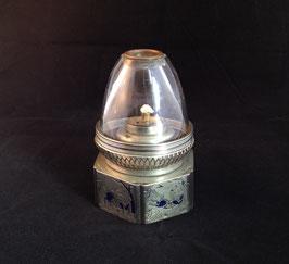 Lampe à opium en baitong au décor des huit chevaux de Wang Mu