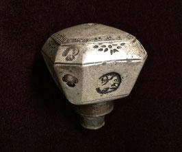 Fourneau de pipe à opium en grès gris